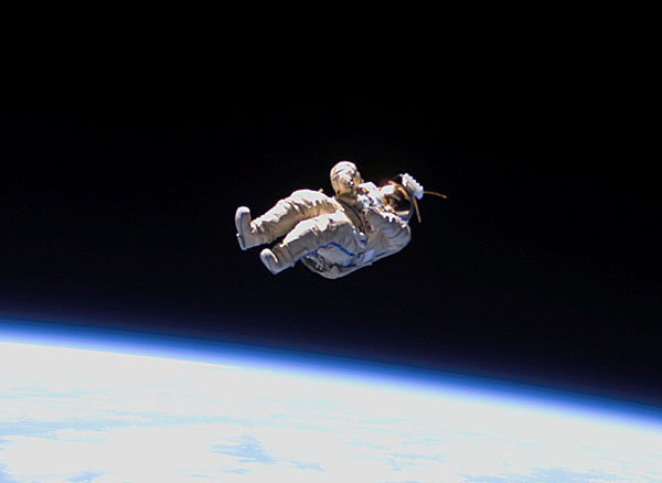 astronaut falling from space to earth - photo #20